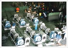 製紙・パルプ工場の排水処理用スクリュープレスの開発を開始。また、魚肉加工機リファイナーを完成させる。